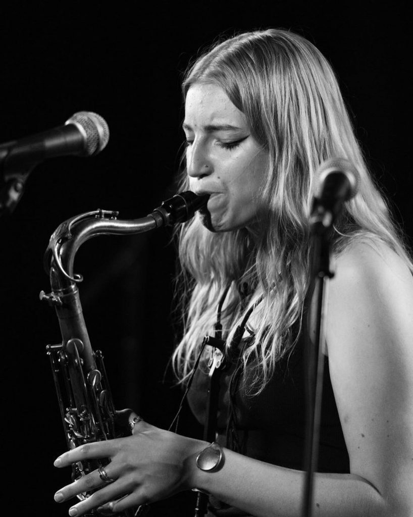 Emma Rawicz, Saxophonist
